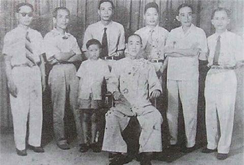 Giai ma truyen ky ve su to phai Vinh Xuan Viet Nam