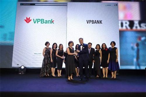 """VPBank nhận giải thưởng """"Nơi làm việc tốt nhất Châu Á"""" năm 2019"""