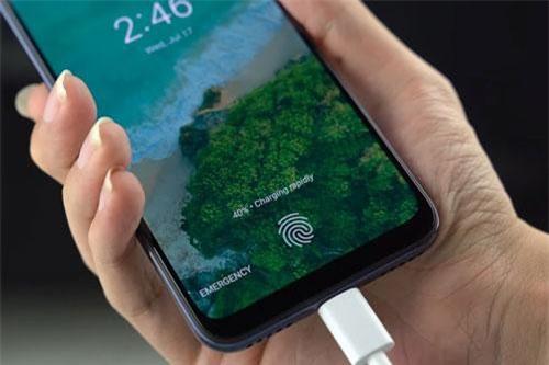 Cảm biến vân tay quang học tích hợp nơi màn hình.