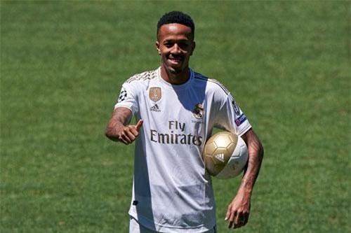 10. Eder Militao (Porto đến Real Madrid, 45 triệu bảng).