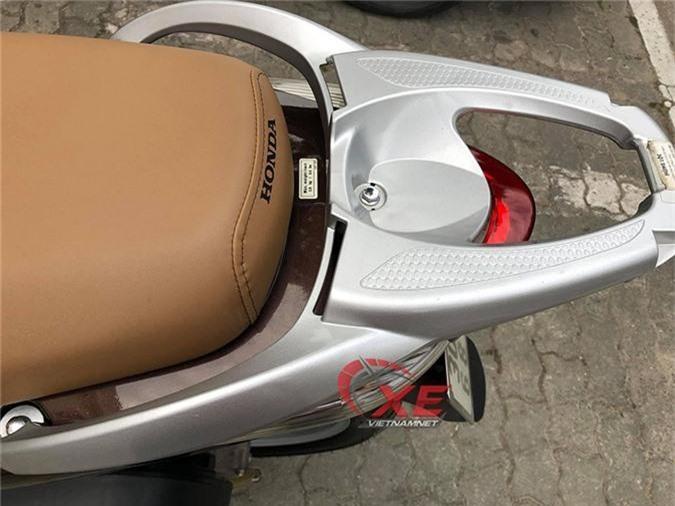 Honda SH150i đi 10 năm rao 250 triệu, cao hơn cả giá gốc