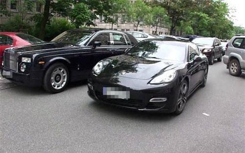Bỏ tiền mua siêu xe, đại gia Việt phải trả phí trước bạ bằng số tiền mua xe sang tiền tỷ