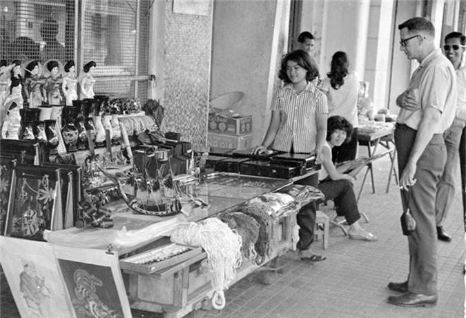 Doi thuong Sai Gon nam 1966 qua anh cua Donald F. Harrison-Hinh-4