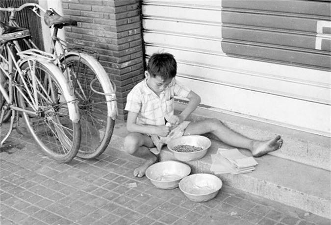 Doi thuong Sai Gon nam 1966 qua anh cua Donald F. Harrison-Hinh-6