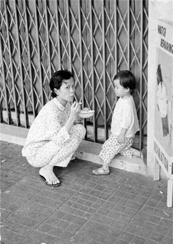 Doi thuong Sai Gon nam 1966 qua anh cua Donald F. Harrison-Hinh-8