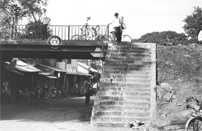 Nhung hinh anh dac biet ve Cho Lon nam 1965-Hinh-11