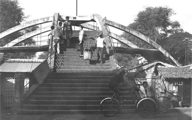 Nhung hinh anh dac biet ve Cho Lon nam 1965-Hinh-4