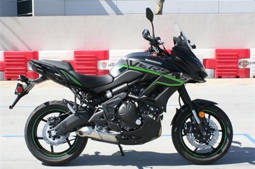4. Kawasaki Versys 650 2019 (giá khởi điểm: 7.699 euro).