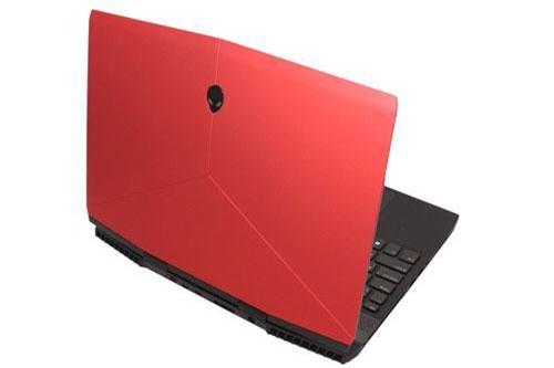 4. Alienware M15 (giá khởi điểm: 1.600 USD).