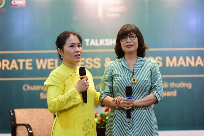 Bà Lê Thị Tố Hải, Chủ tịch Chương trình Giải thưởng Sức khỏe Việt Nam (trái), chia sẻ về những stress trong sức khỏe của doanh nghiệp (ảnh TH)