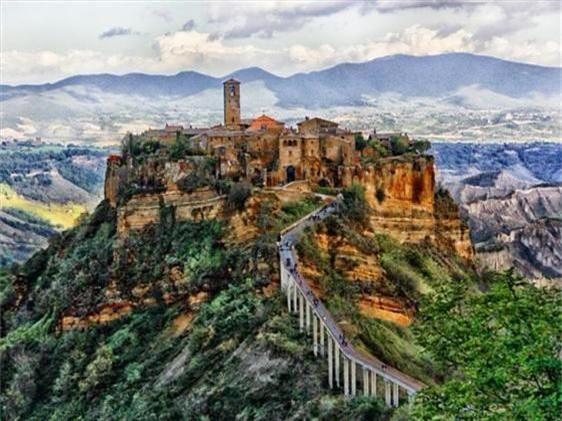 Khám phá thị trấn 2.500 năm tuổi ở nước Ý - 3