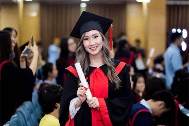 """""""Bông hồng"""" Lào gốc Việt xinh đẹp trong lễ tốt nghiệp tại Học viện Ngoại giao - 4"""
