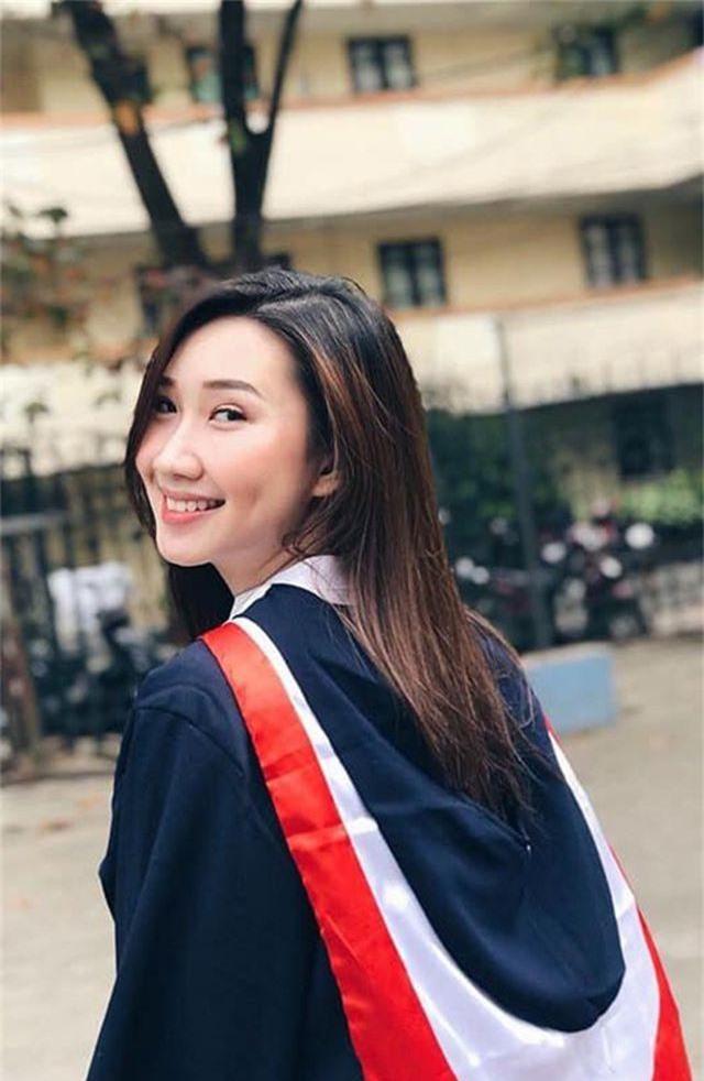 """""""Bông hồng"""" Lào gốc Việt xinh đẹp trong lễ tốt nghiệp tại Học viện Ngoại giao - 5"""