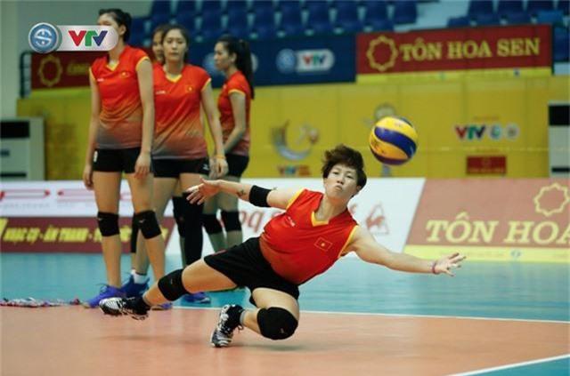 VTV Cup 2019: Buổi tập tràn đầy tiếng cười của ĐT bóng chuyền nữ Việt Nam - Ảnh 8.