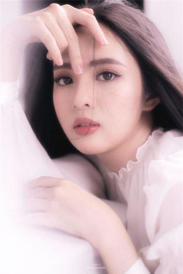 Hoa khôi Đại học Tôn Đức Thắng trong trẻo trong bộ ảnh thanh xuân - 2
