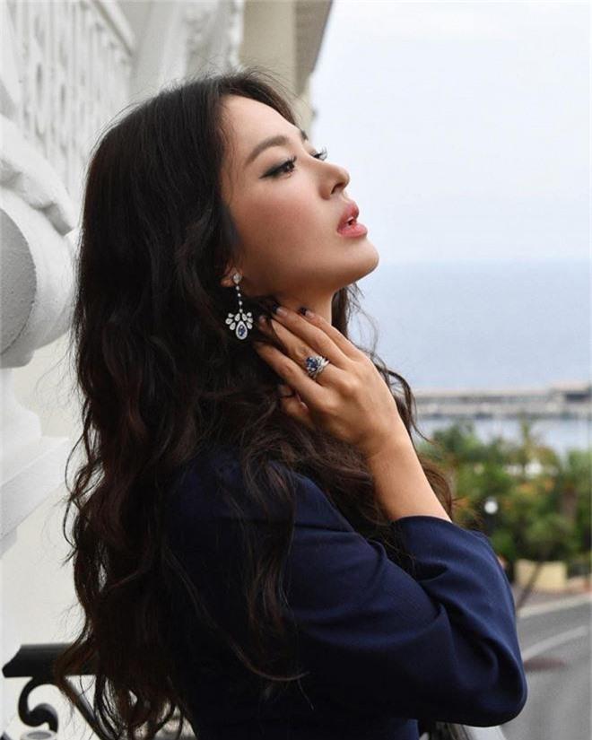 Thiên đường hẹn hò siêu khủng của Kang Daniel và Jihyo (TWICE): Toàn minh tinh đến sống, mới nhất là Song Hye Kyo - Ảnh 4.