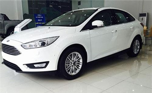 Ford Focus giảm giá sốc.