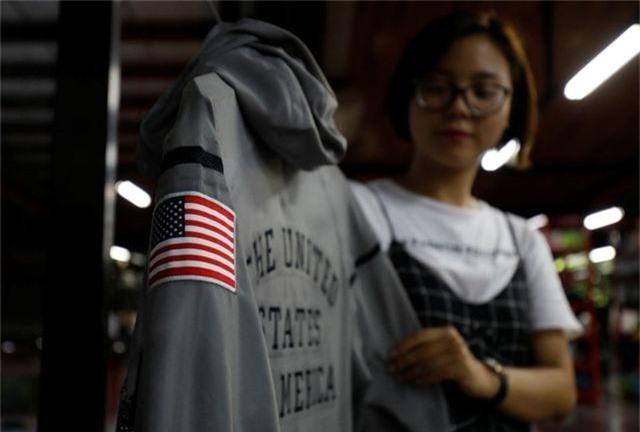 Báo Anh viết về nhà máy Việt Nam sản xuất đồng phục cho tuyển Olympic Mỹ - 1