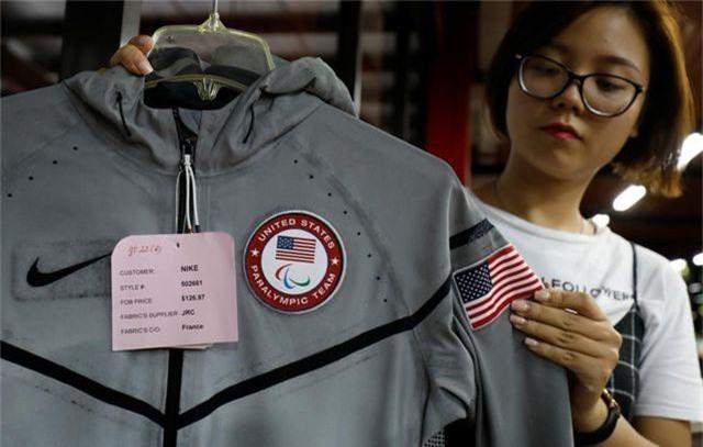 Báo Anh viết về nhà máy Việt Nam sản xuất đồng phục cho tuyển Olympic Mỹ - 4