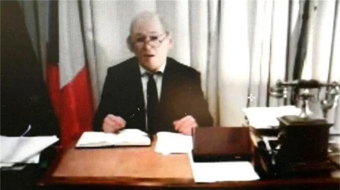 Ly kỳ vụ giả bộ trưởng Pháp lừa hàng nghìn tỷ của các đại gia