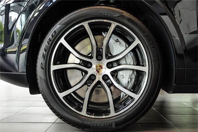 Porsche Cayenne Turbo moi hon 9 ty dong tai Viet Nam-Hinh-4