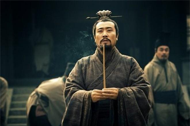 TV Show - Tam quốc diễn nghĩa: Đáp lại câu nói nổi tiếng của Tào Tháo, Lưu Bị cũng đưa ra quan điểm khiến hậu thế tâm phục (Hình 2).