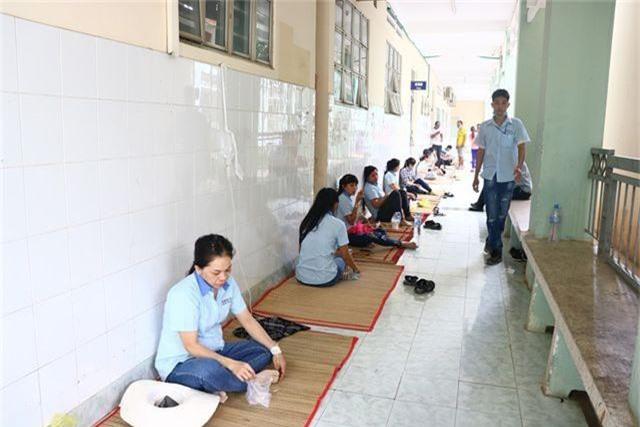 Gần 100 người nhập viện nghi ngộ độc thuốc diệt mọt - 2