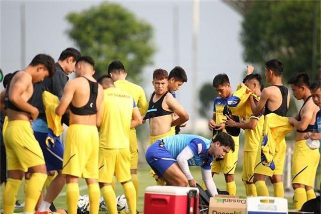 HLV Park Hang Seo nhận tin không vui ở U22 Việt Nam - 4
