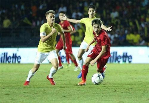 Đội tuyển Việt Nam càng nhiều lần đánh bại đội tuyển Thái Lan, sức hút của chúng ta với khán giả đất Chùa Vàng càng lớn (ảnh: Huyền Trang