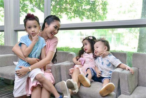 Óc Thanh Vân và các con