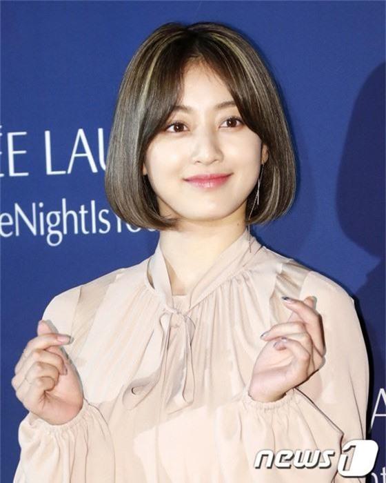 Sự kiện siêu sang quy tụ dàn mỹ nhân: Jihyo lần đầu lộ diện hậu hẹn hò Kang Daniel, bị cả Tzuyu và Sulli làm lu mờ - Ảnh 4.