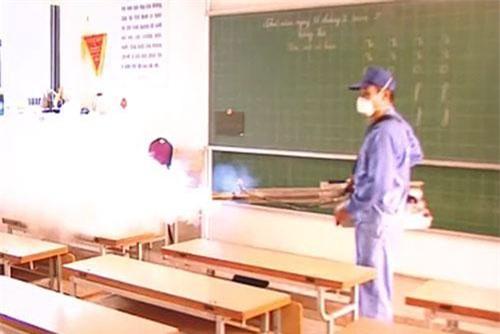 TP.HCM: Mạo danh Sở Y tế đi phun thuốc xịt muỗi thu tiền