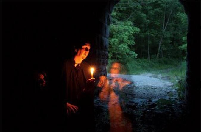 5 đường hầm ma ám nổi tiếng thế giới