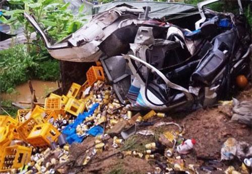 Thanh Hóa: Xe tải tông vào nhà dân, 2 người tử vong