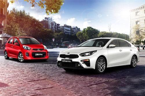 Loạt xe Kia giảm giá mạnh trong tháng 8