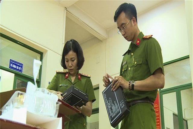 Hà Nội: Bắt giữ hơn 4.000 bánh trứng chảy lậu đang gây sốt trên mạng - 5