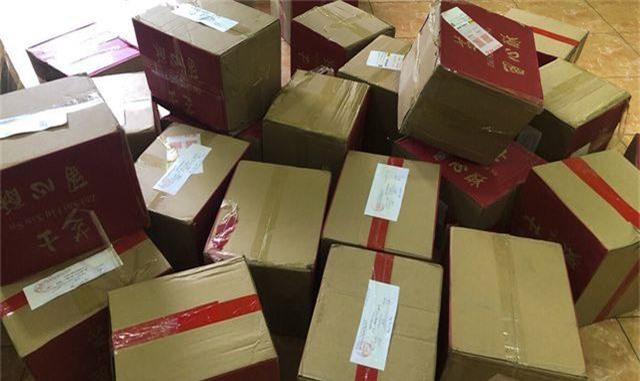 Hà Nội: Bắt giữ hơn 4.000 bánh trứng chảy lậu đang gây sốt trên mạng - 9