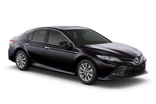 Giá xe Toyota Camry tại Việt Nam chênh lệch bao nhiêu so với Thái Lan?