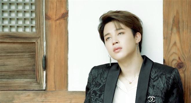 Lại thêm một tháng nữa Jimin xuất sắc giữ vị trí đầu của bảng xếp hạng giá trị thương hiệu idol nam Kpop. Đây là tháng thứ 8 liên tiếp trong năm nay thành viên BTS giữ vị trí này.