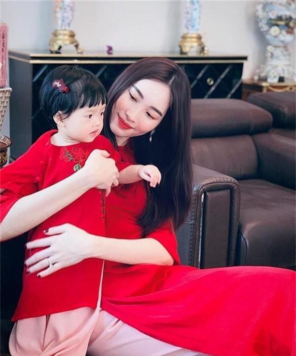 Lâu lâu mới lên sóng, con gái Hoa hậu Đặng Thu Thảo khiến dân mạng được phen ngỡ ngàng vì lớn nhanh như thổi-9