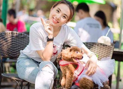 Nữ ca sĩ xinh đẹp từng bị ông bầu lừa tình, khán giả sàm sỡ ở Phú Quốc giờ ra sao?
