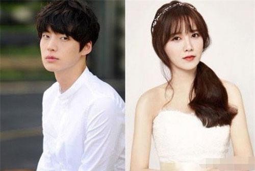 """Xôn xao thông tin Goo Hye Sun là kẻ cao tay, cố tình khống chế dư luận để """"hắt nước bẩn"""" lên Ahn Jae Hyun"""