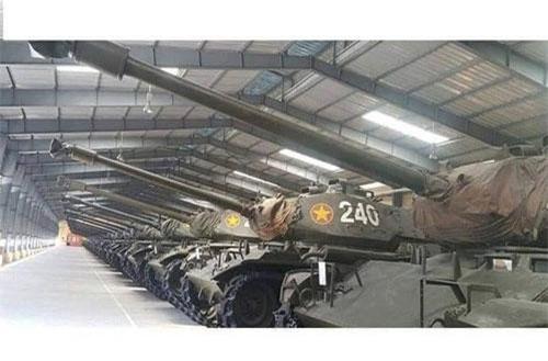 Trong quá khứ, quân đội ta từng sở hữu một số lượng lớn xe tăng Walker Bulldog khá lớn tịch thu được của Mỹ từ sau giải phóng. Đây là loại xe tăng hạng nhẹ do Mỹ chế tạo, ban đầu được đặt biệt danh là Bulldog (tên một loại chó) sau đó đổi thành Walton Walker (tên một vị tướng Mỹ tử trận ở Triều Tiên. Nguồn ảnh: QPVN.