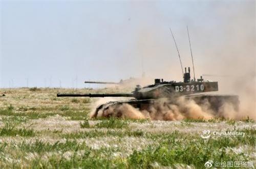 Cụm tập đoàn quân Trung Quốc khai hỏa ồ ạt gần biên giới Ấn Độ