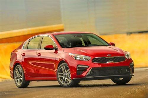Kia Cerato 2019 bất ngờ giảm giá mạnh, đe nẹt Mazda 3