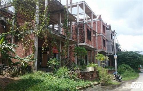 Cận cảnh những biệt thự ma trên đất vàng ám ảnh người Sài Gòn