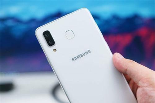 Samsung Galaxy A8 Star giảm giá 2,5 triệu đồng tại Việt Nam