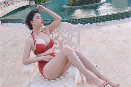 4 cô vợ hot girl của sao Việt bán hàng online đắt như tôm tươi vì quá xinh đẹp