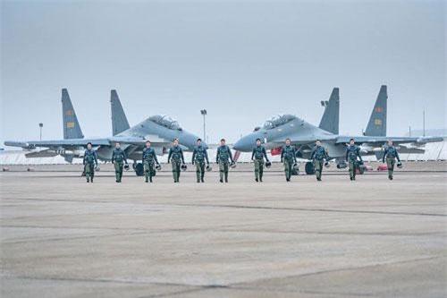 """Trung Quốc """"bẻ khóa"""" thành công tiêm kích đa năng Su-30MK2, hướng tới Su-35SK"""