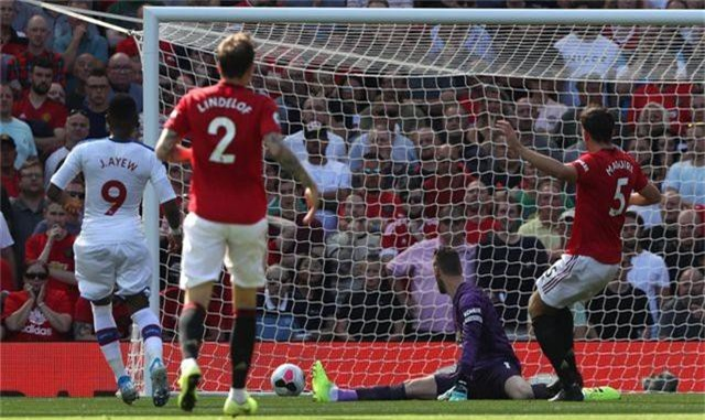 Những khoảnh khắc trong trận thua tệ hại của Man Utd trước Crystal Palace - 6
